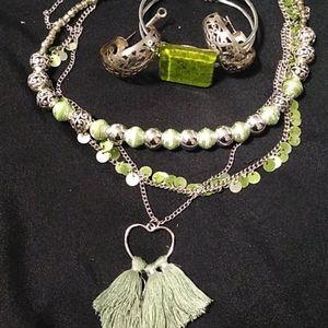 Green Jewlery Set with Necklaces & Bracelet/Earrin